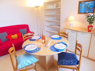Nice Condo with Television and Parking - Dinard vacation rentals