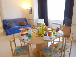 Bright 2 bedroom Condo in Dinard with Television - Dinard vacation rentals