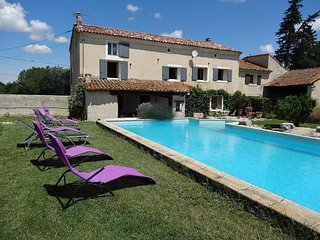 Nice House with Internet Access and Television - Pernes-les-Fontaines vacation rentals