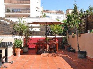 Comfortable 2 bedroom Arenys de Mar Apartment with Internet Access - Arenys de Mar vacation rentals