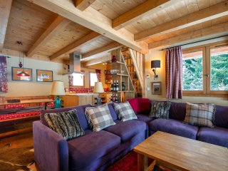 Beautiful Chalet Le Buet, Chamonix near Skiing, Hiking & More! - Vallorcine vacation rentals