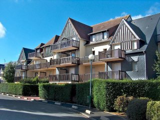 Cozy 2 bedroom Condo in Cabourg with Television - Cabourg vacation rentals