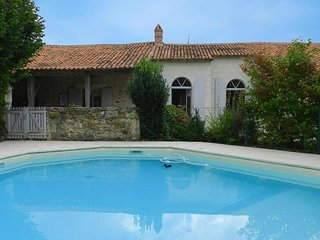 Comfortable House with Television and Microwave - La Chapelle-Themer vacation rentals