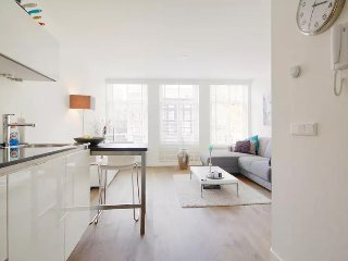 Smoker friendly Red light district Apartment - Amsterdam vacation rentals