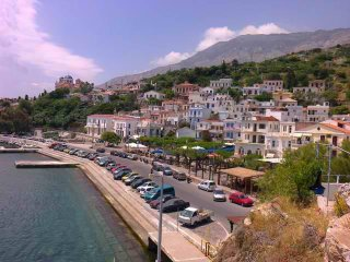Bright 2 bedroom Agios Kirykos House with Balcony - Agios Kirykos vacation rentals