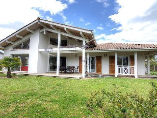 3 bedroom Villa in Ondres, Les Landes, France : ref 2370035 - Ondres vacation rentals