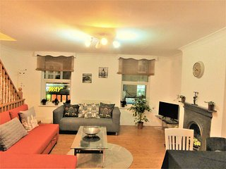 Two berdooms,two floors apartment with patio!!! - London vacation rentals