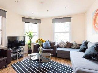BEST LOCATION,1bedroom flat,sleeps 4 in Brick Lane - London vacation rentals