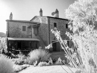 2 bedroom Apartment in Umbertide, Umbria, Italy : ref 2286082 - San Giovanni del Pantano vacation rentals