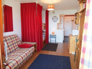 Beautiful Studio with Internet Access and Television - Le Corbier vacation rentals