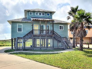 Fabulous beachfront home! 4 bedroom 3 bath home with ocean views! - Corpus Christi vacation rentals