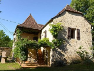 Comfortable 3 bedroom Figeac House with Internet Access - Figeac vacation rentals