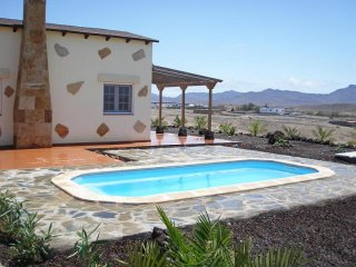 Cozy 3 bedroom House in Gran Tarajal with Internet Access - Gran Tarajal vacation rentals