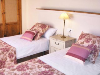Comfortable 3 bedroom Gran Tarajal House with Internet Access - Gran Tarajal vacation rentals