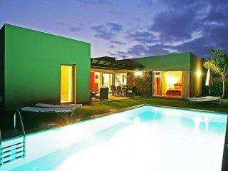 Comfortable 3 bedroom Maspalomas House with Internet Access - Maspalomas vacation rentals