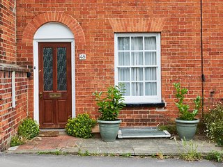 Luxury Cosy Cottage in Centre of Henley On Thames - Stoke Row vacation rentals