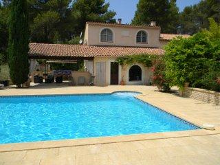 Location villas avec piscine en provence - La Roque-d'Antheron vacation rentals