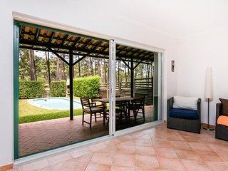 Ciprestes House II (Herdade da Aroeira) - Golf & Beach - Charneca da Caparica vacation rentals