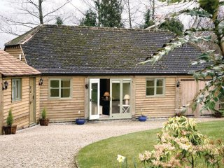 1 bedroom Cabin with Internet Access in Aston Magna - Aston Magna vacation rentals