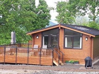 Teaglach Luxury Lodge at Balquhidder Mhor with Hot Tub, Sleeps 4-6 - Lochearnhead vacation rentals
