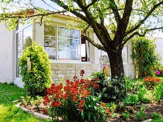 Superb holiday house near the beach town of Royan, with idyllic garden - Barzan vacation rentals
