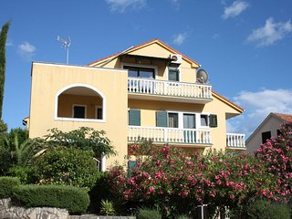 Nice Condo with Internet Access and A/C - Vrboska vacation rentals