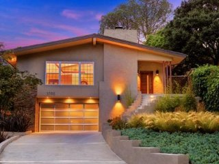 #562 Newly Remodeled Hollywood Home with Mountain Views - West Hollywood vacation rentals