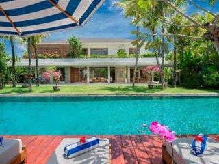 Bali Villa Zambala Seaside Berawa 6 Bedroom Luxury Tropical Modern near Beach - Canggu vacation rentals
