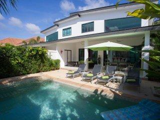 Orisis1  2bed pool villa Nai Harn Rawai Phuket - Nai Harn vacation rentals
