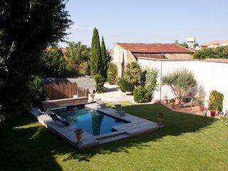 Adorable 5 bedroom Generac Villa with Television - Generac vacation rentals