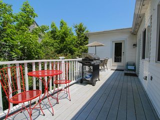 Spacious, dog-friendly condo w/ deck - walk to the beach, lighthouses & more! - Cape Elizabeth vacation rentals