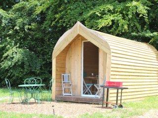 Cozy 1 bedroom Cabin in Vengeons with Parking - Vengeons vacation rentals