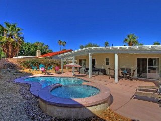CAN351 - Palm Desert El Paseo - 2 BDRM Plus DEN, 2 BA - Palm Desert vacation rentals