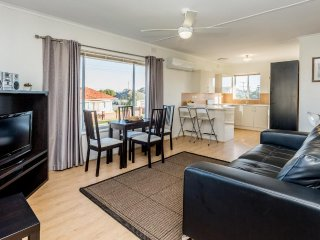 Adelaide Close to Western Beaches - Comfortable 2 Bed Apartment at Fulham Garden - Adelaide vacation rentals