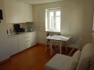 L3 - #3 MOURARIA LISBON DUPLEX APARTMENT - Lisboa vacation rentals