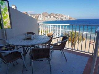 3 bed apartment overlooking Mediterranean - Benidorm vacation rentals