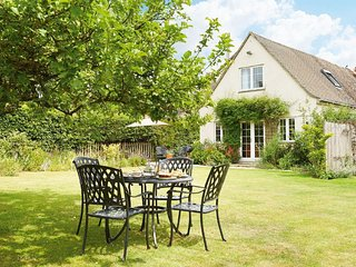 Lovely House with Internet Access and Television - Bourton-on-the-Water vacation rentals