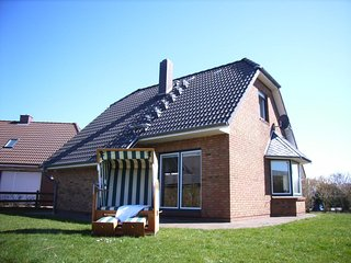 Nice Guest house with Deck and Satellite Or Cable TV - Friedrichskoog vacation rentals