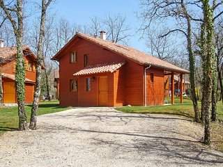 Lush lodge on a golf course w/pool - Lachapelle-Auzac vacation rentals