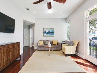 Lovely Mid-City Condo steps away from Streetcar - New Orleans vacation rentals