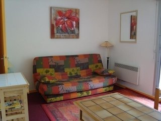 Nice Studio with Television and Microwave - La Mongie vacation rentals