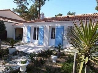 Villa indépendantes dans quartier du Phare à 550 m de la plage - La Tranche sur Mer vacation rentals