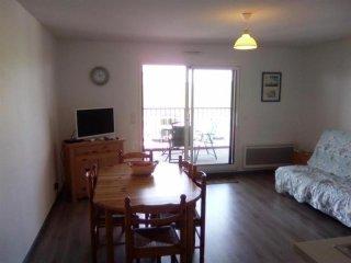 Romantic 1 bedroom Biscarrosse Condo with Balcony - Biscarrosse vacation rentals