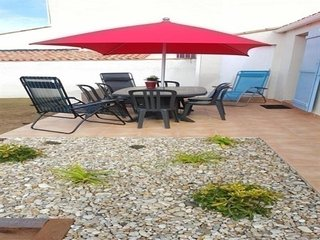 Charming 2 bedroom House in Chateau-d'Olonne - Chateau-d'Olonne vacation rentals