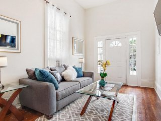 Charming Home with High Ceilings and Charm - New Orleans vacation rentals