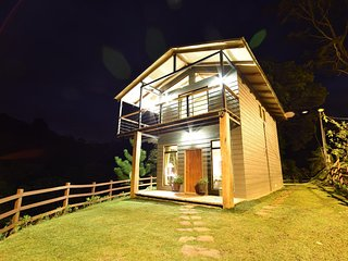 Beautiful House in Santa Elena with Washing Machine, sleeps 5 - Santa Elena vacation rentals