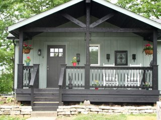 Cozy Cottage with Deck and Internet Access - Cicero vacation rentals