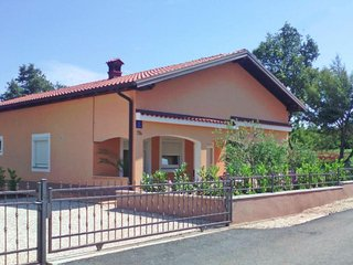Beautiful House with Internet Access and Television - Zbandaj vacation rentals
