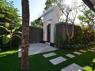 """Pungutan House"" Villa 3 - Sanur vacation rentals"