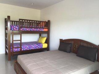 Convenient 1 bedroom Condo in Pak Nam - Pak Nam vacation rentals